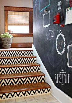 Staircases That Are a Big Step Up 10 Ways to Totally Revamp Your Staircase.love the painted frames on the chalkboard paint Ways to Totally Revamp Your Staircase.love the painted frames on the chalkboard paint wall! Painted Stairs, Painted Frames, Creation Deco, Attic Renovation, Attic Remodel, Staircase Design, Staircase Ideas, Small Staircase, Staircase Remodel