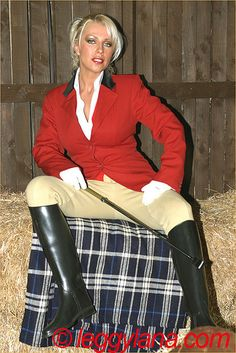 Sexy blonde in riding boots and breeches Equestrian Girls, Equestrian Outfits, Equestrian Style, Horse Riding Clothes, Riding Boots, Country Fashion, Girls Uniforms, Jodhpur, Sexy Boots