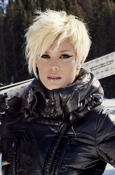 Winter 2013 hairstyles for women: Simple Style but Elegant