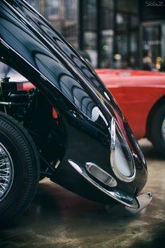 Jaguar E Type Series I Bonnet Detail