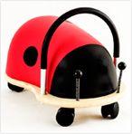Superleuk verjaardagskado voor 1 jarige! Wheely bug, loop/rij-auto. Is er in kleine en grote maat, de kleine is leuk vanaf ca 15 maanden.