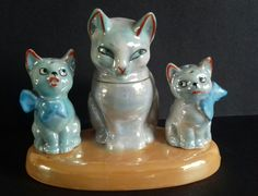 Cat and kittens lustre cruet set. Germany