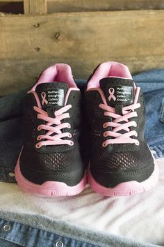 Our lightweight, breathable, sporty shoes flash a dynamic pink-to-black gradient along the Ultralite™ sole with memory foam insoles for superb comfort. Splashes of pink ribbons against black mesh add an outstanding message of support.