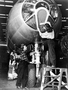Bechtel Corporation: 1940 - 1945: Bechtel Goes to War