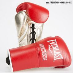 Custom-made Everlast PowerLock boxing gloves for 'Showtime' Shawn Porter. Shawn Porter, Everlast Boxing Gloves, Skipping Rope, Mma Equipment, Gym Gear, Gym Workouts, Work Outs, Gym Wear, Exercise Workouts