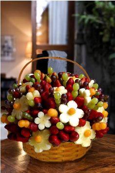 Les Fruits en Bouquet #cuisine #SandwichOriginal #gourmandise #recette #food #cuisineFrancaise #FrenchFood #myfashionlove #miam www.myfashionlove.com