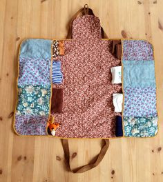 pusletaske DIY Cute for Baby 'on the go' Looks easy enough to sew. Love it's raw 'not so perfect' finish Line the leather straps.