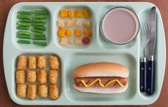 This TV dinner where NOTHING. IS. TOUCHING.   33 Impossibly Satisfying Food Photos