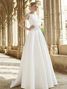 Raimon Bundó 2015 wedding dresses { Natural bridal collection } itakeyou.co.uk #weddingdress :