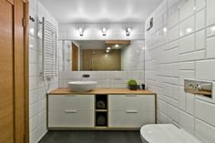 Best Scandinavian bathroom design ideas are here. The Architecture Design presents the latest Scandinavian bathroom design ideas you should check at least once. Scandinavian Small Bathrooms, Scandinavian Bathroom Design Ideas, Scandinavian Loft, Modern Bathroom Design, Bathroom Interior Design, Modern Interior Design, Loft Design, House Design, Wall Design