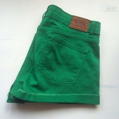 ✨HP✨Emerald Green shorts Fit like medium. Worn a few times. Still great condition!! Bought at boutique. Cielo Shorts