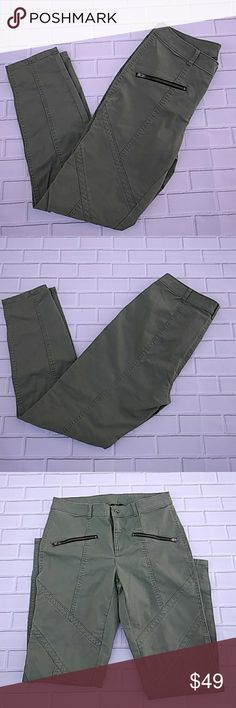"""Victoria's Secret Moto Pant NWOT Brand new - never worn or washed. Perfect for the fall! 97% Cotton 3% Elastane Inseam: 27.5"""" Waist 15"""" across the front Victoria's Secret Pants"""