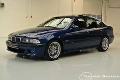 Youngtimer: BMW M5 E39 | Avusblauw | 04/99 | 90.000 km | Schuifdak | Premium Classics