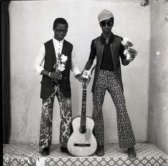 Bamako, Mali: and a tale of Malian photographer Malick Sidibé Vintage Photography, Portrait Photography, Black N White Images, Black And White, Seydou Keita, Festival Photo, Fondation Cartier, West African Countries, Best Guitar Players