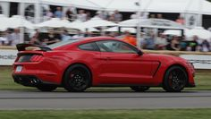 The new Ford Mustang Shelby GT350R is LOUD enough to scare women!  FUNNY video at the link