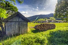 Take in the beautiful and serene landscape of Lermoos in Tirol, Austria #austria #tirol #lermoos #green #meadow #wood #chalet #nature