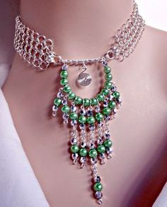 Cristal plata y aguamarina chainmaille perla collar por NezDesigns