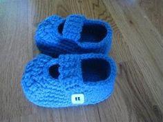 Free Pattern crochet booties by melak.nasa
