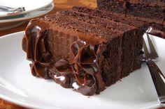 Pastel de chocolate con crema de chocolate