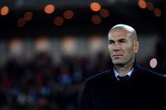 Ainda não foi a vez de Zinédine Zidane, mas, entre erros e acertos, o francês está no caminho certo.