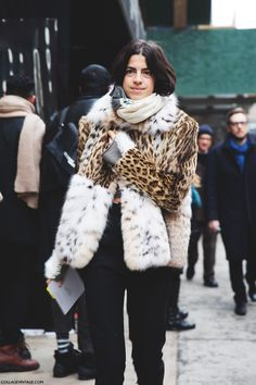 Give me this coat right now.  Just give it to me! #LeandraMedine #ManRepeller chicinacademia.com
