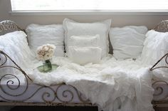 French day bed and ruffles, LOVE!