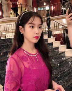 Like Beauty Life fo Keep Cover Luna Fashion, Retro Fashion, Iu Twitter, Korean Actresses, Kpop Outfits, Korean Girl, Kdrama, Singer, Idol