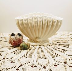 Large Planters, Vintage Planters, Etsy Vintage, Vintage Shops, Wall Pockets, Serving Platters, Vintage Walls, Shells, Antiques