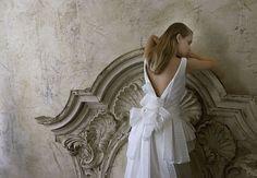 Collezione Signature 2014 - Elisabetta Polignano: abito da sposa con fiocco sulla schiena nuda #wedding #weddingdress #weddinggown #abitodasposa
