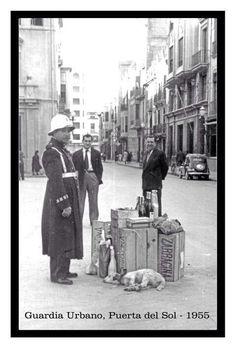 Guardia urbano en Navidad 1955.
