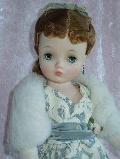 """PRETTY 21"""" Madame Alexander CISSY in Ball Gown from gandtiques on Ruby Lane"""