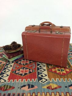 Vtg 50s Suitcase Luggage Train Case Brown Leather Hipster Mad Men Hard Case Luggage