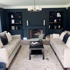 Dark Walls Living Room, Feature Wall Living Room, Blue Living Room Decor, Living Room Color Schemes, My Living Room, Living Room Ideas Dark Blue, Dark Blue Bedroom Walls, Dark Blue Walls, Dark Blue Rooms