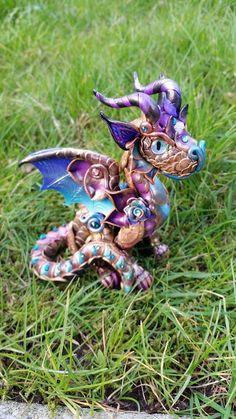 Custom Baby Dragon standing van MakoslaCreations op Etsy