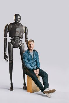 How <em>Rogue One's</em> Alan Tudyk Turned Himself Into a 7-Foot Droid       Credit:Michael Friberg   From WIRED.com