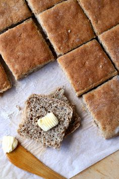Salty Foods, Bun Recipe, Daily Bread, Baking Tips, Baked Goods, Brunch, Food And Drink, Tasty, Cheese