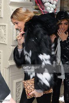 Fotografia de notícias : Model Olivia Palermo is seen walking in Soho on...