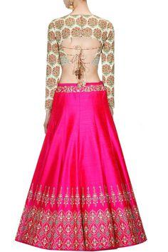 Anju Modi presents Mint green persian floral print blouse and hot pink lehenga set available only at Pernia's Pop Up Shop. Sari Blouse Designs, Lehenga Designs, Blouse Patterns, Blouse Styles, Indian Designer Outfits, Designer Dresses, Indian Dresses, Indian Outfits, Lehenga Choli Online