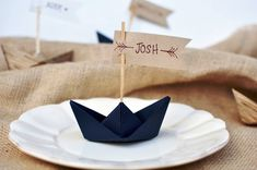 Paper Boat Placecards – Origami World Origami Boat, Origami Butterfly, Origami Flowers, Origami Easy, Origami Paper, Nautical Party, Nautical Wedding, Origami Wedding Invitations, Origami Tutorial