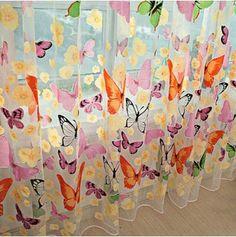 Roztomilá záclonka na okno - motýli