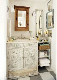 Bathroom Vanity Makeover - Ok Megan- i think i want to try this in the master/going to be reids bath...are you ready?