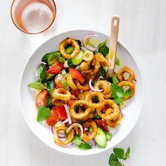 Crumbed Calamari & Greek Salad Whole Fish Recipes, Asian Fish Recipes, Easy Fish Recipes, Greek Recipes, Poached Fish Recipes, Fried Fish Recipes, Seafood Dishes, Seafood Recipes, Appetizer Recipes