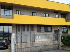 Rif. EK-1492758 Ufficiodi 150 mq molto luminoso posto al primo piano di un complesso industriale