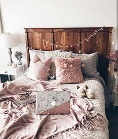 Image shared by ❅ A L I C E ︎❅. Find images and videos about room, bedroom and home on We Heart It - the app to get lost in what you love.