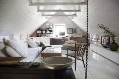 attic office- general design concept, color scheme