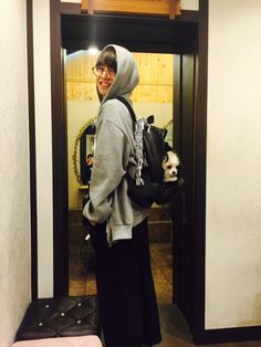 """BTS Tweet - V (selca) 150507 -- 나준비됨 빨리가자 -- [TRANS] """"I'm ready~ let's hurry up and go~""""  -- cr: ARMYBASESUBS · @BTS_ABS"""