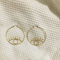 Bamboo Hoop Earrings - 2 inch large gold hoops/ big gold hoops/ bamboo earrings/ thick gold hoops/ statement earrings/ gifts for her - Fine Jewelry Ideas Jewelry Box, Jewelry Accessories, Fashion Accessories, Fine Jewelry, Jewelry Ideas, Fashion Jewelry, Gemstone Jewelry, Cheap Jewelry, Copper Jewelry