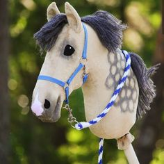I make equipment from faux leather and polypropylene ribbon. I have lots of material for tack - especially for browbands - so you can give me your plan and let's decide together which materials. Taupe Eyeshadow, Stick Horses, Horse Bridle, Hobby Horse, Aiko, Anastasia, Crafts, Horses, Funny Memes