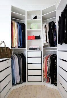 Lovely Small Walk In Closet organizer