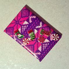 Новогодние украшалочки продолжаются!  #новыйгод близко #подарок  #оформление и #упаковка Ваших #подарочек  #Рождество  #вязанный#принт#упаковочнаябумага#носочек для подарков    #конфетка  #gift#wrapping#wrappingpaper#crocheted#happyNewYear#Christmas  #decorteam  #lala_decorteam
